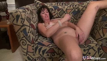 Usawives Fit Mature Rose Self Playing Onanism