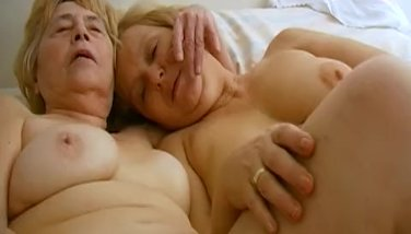Omahotel Lezzie Matures Lovemaking Playthings Getting Off