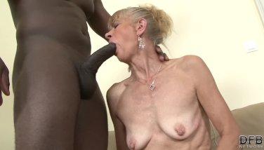 older lesbian seduces straight girl