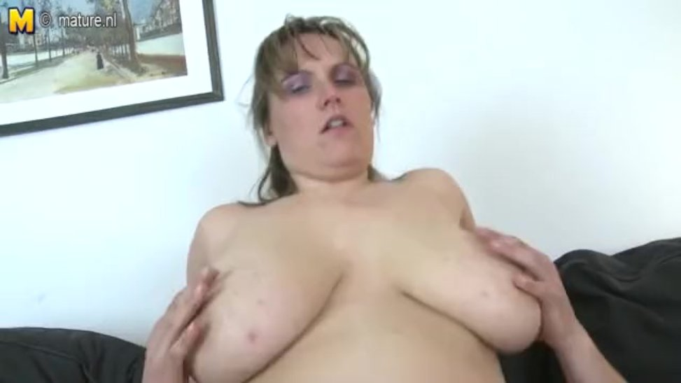 Mother With Phat Saggy Melons Nails Youthful Stud (02:35) - Letmejerk.com