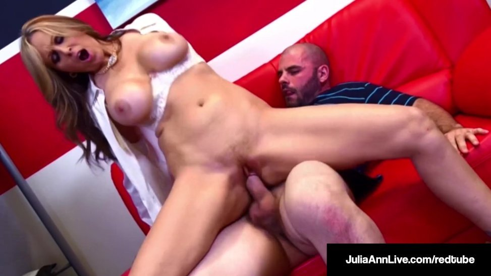 Julia Ann Is A Super Hot Tutor Who Bjs And Screws A Schoolgirl Bimbo  (11:10) - Letmejerk.com